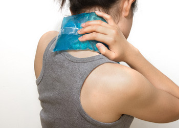 Stafford Chiropractor Dos Donts Cold Pack On Neck